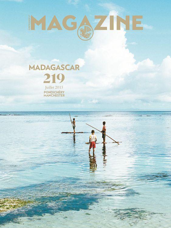Air France Magazine n°219 juillet 2015 Page 252 253